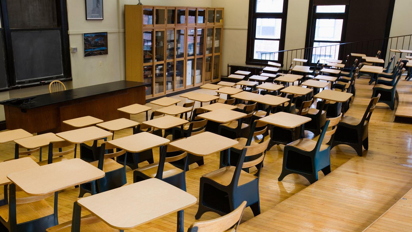 school student generic desk_162875