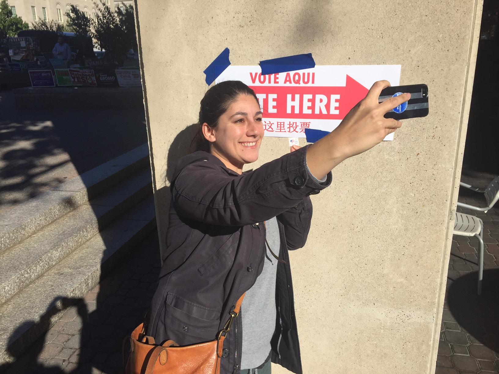 DC Early voter selfie_314258