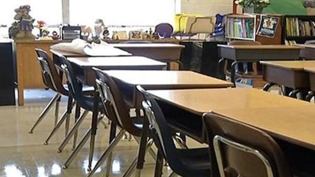 school desk_435320