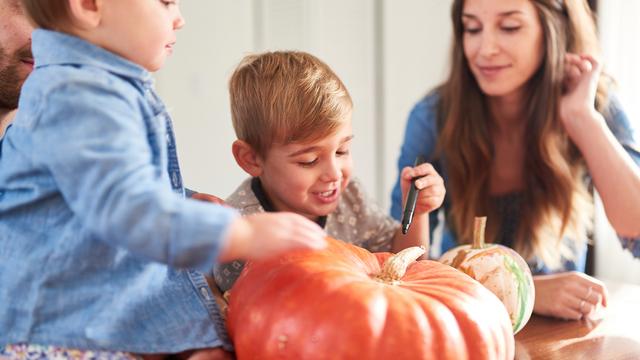 pumpkin2520carving_1507661808080_307020_ver1-0_27615296_ver1-0_640_360_499334