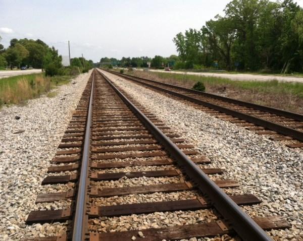 train-tracks-generic_563259