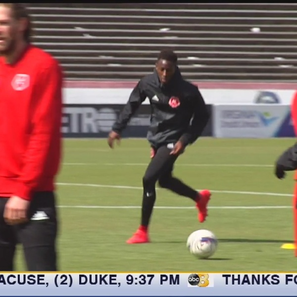 Kickers' midfielder Oscar Umar living the american dream