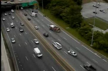 Crash closes two lanes on I-95 North