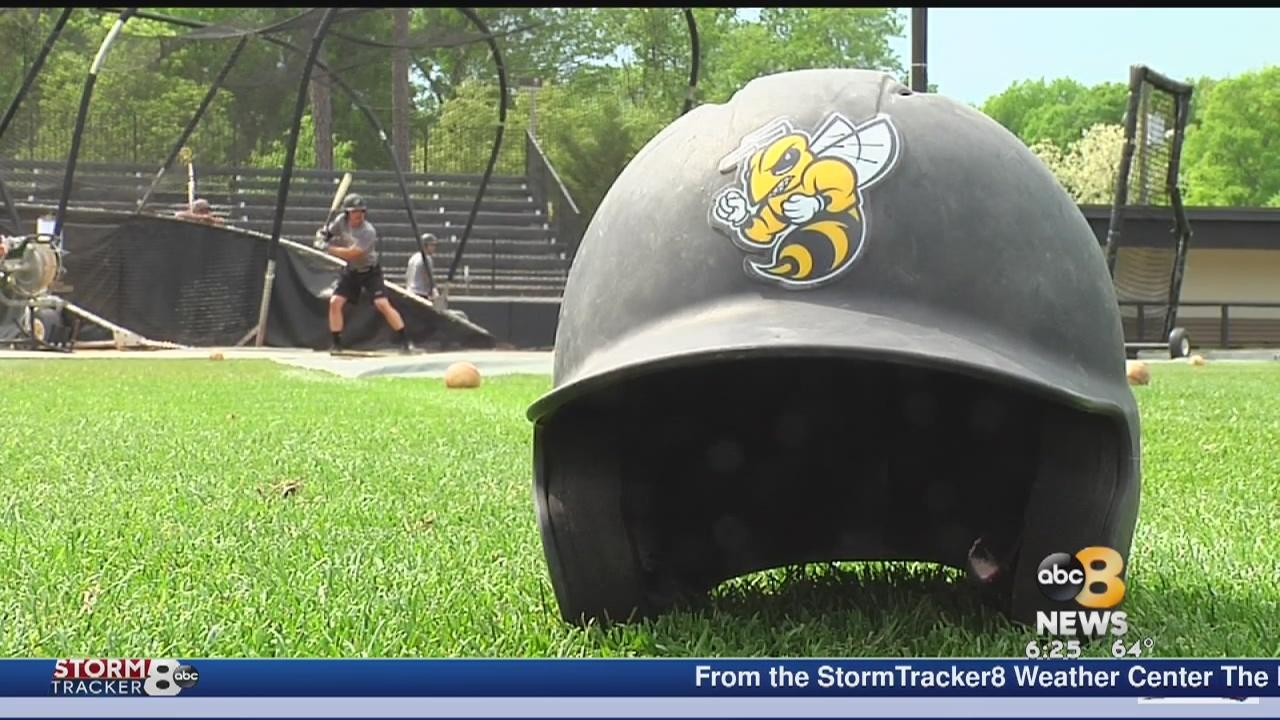 Randolph-Macon buzzing atop D-III baseball ranks