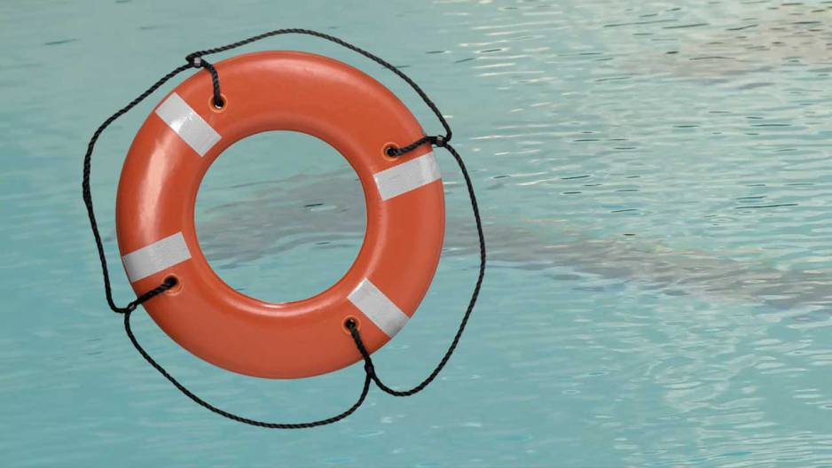 drowning-life-preserver_283090