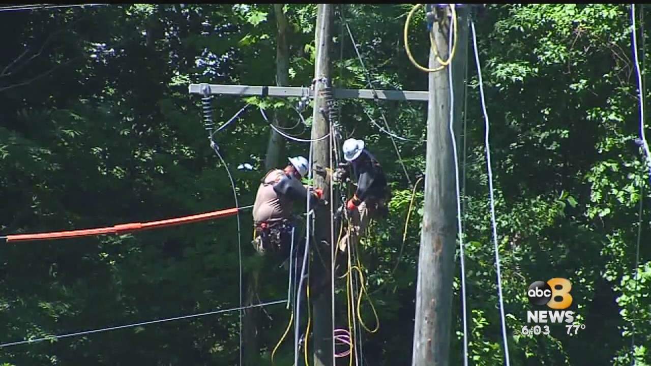Dominion_Energy_preparing_crews__locals__0_20181010220928