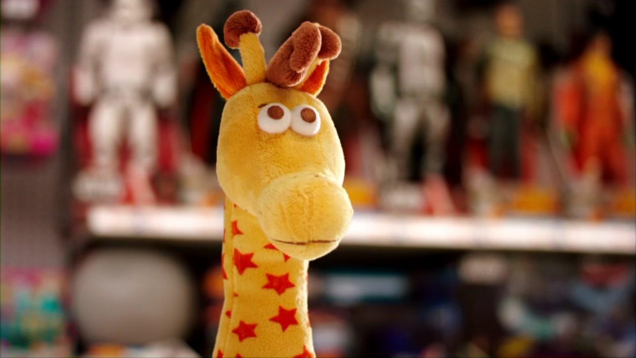 3753213_071218-ewn-geoffrey-giraffe-vid_1541172574605.jpg