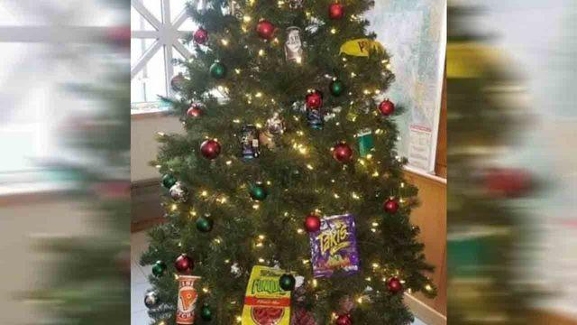 racist christmas tree_1544036046101.jpg.jpg