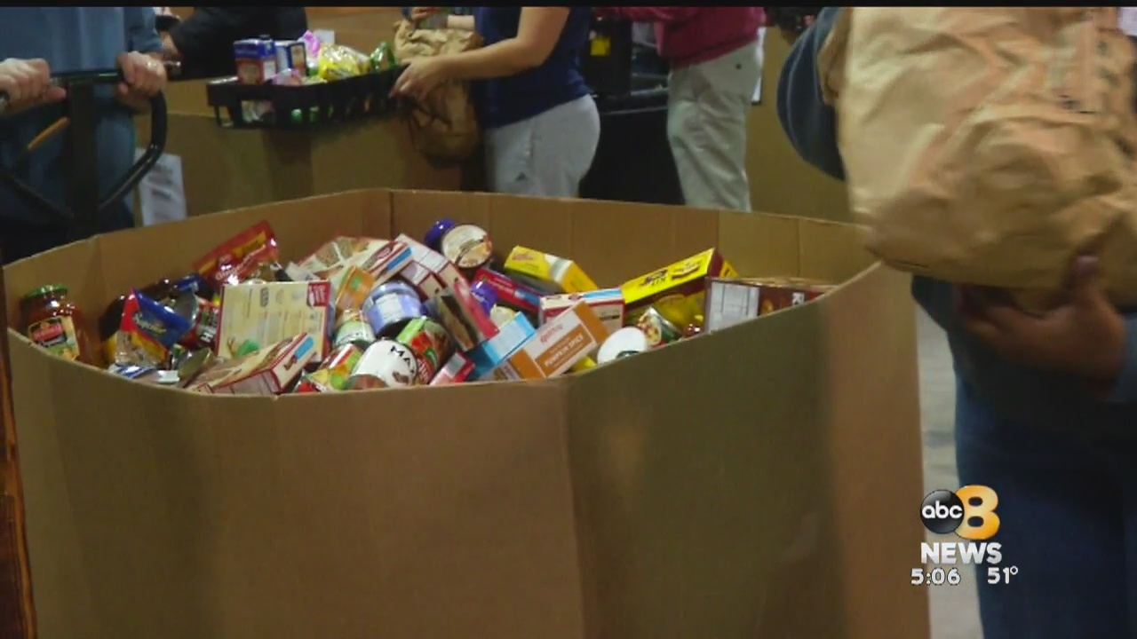 FeedMore held a special food distribution on Friday for those affected by the partial government shutdown.