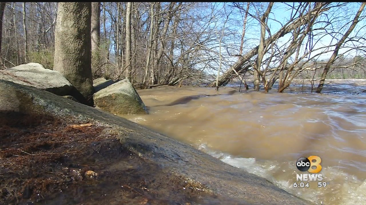 Despite having two days with no rain in Richmond, flooding at the James River has been unwavering. As the water recedes slowly, more debris and trash have washed up on different roads and trails in the city.