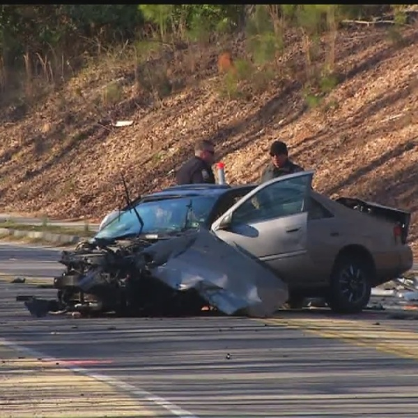 Expert blames distracted driving for uptick in head-on collisions