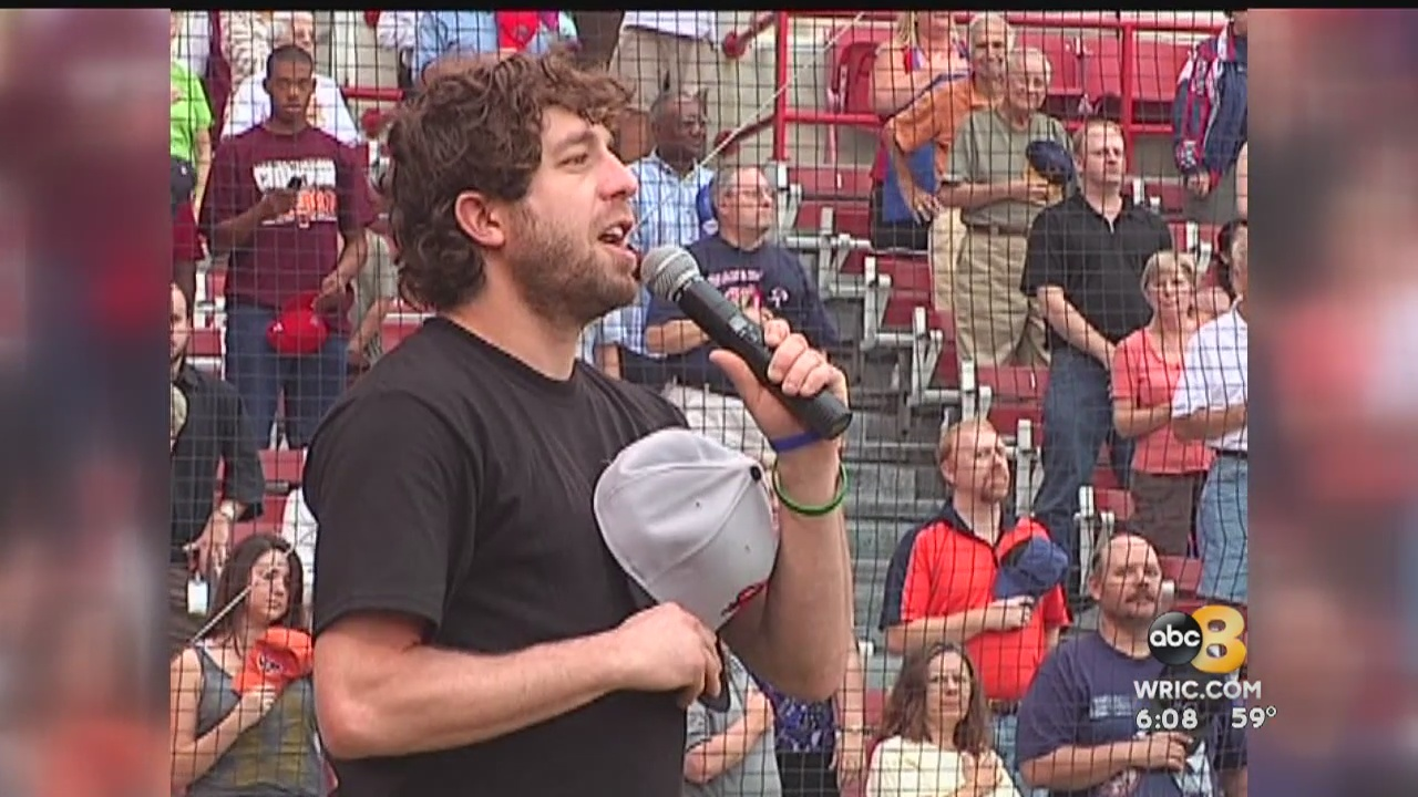 Elliot Yamin, the Henrico native who made it big on American Idol, sat down with 8News' Juan Conde for an exclusive one-on-one interview about his journey.