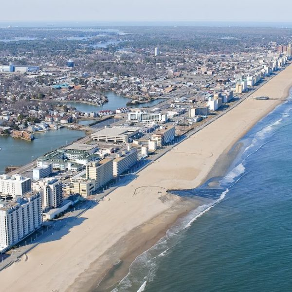 Virginia Beach Oceanfront-873703993