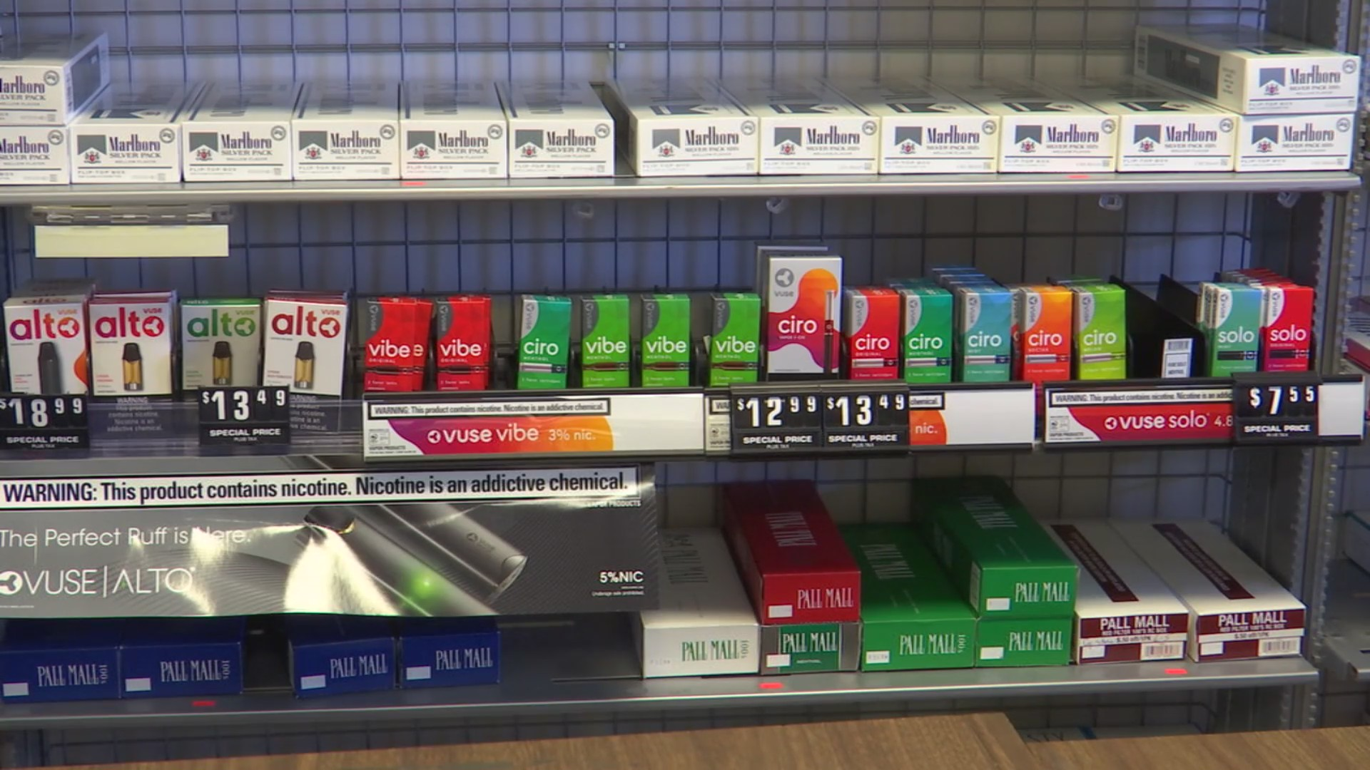 Hoping to reduce teen vaping, Kaine pushes bipartisan bill aimed to