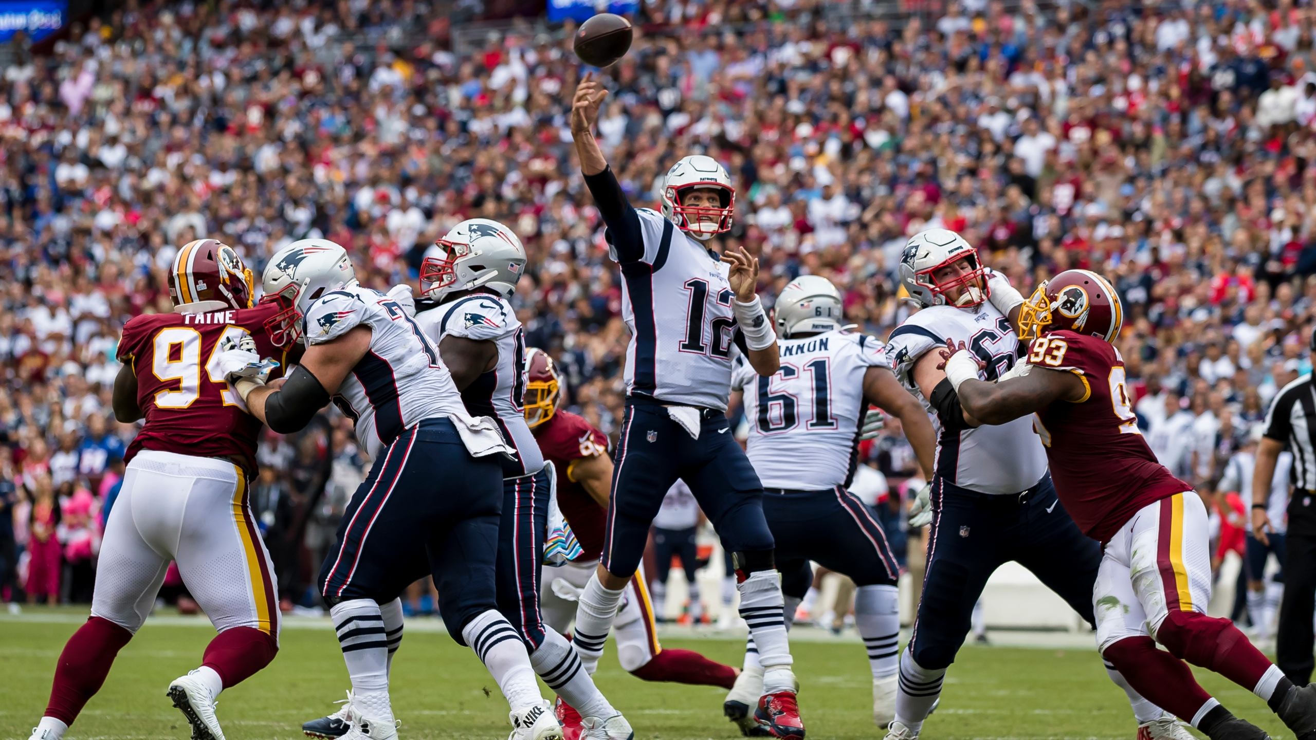 Brady Carries Unbeaten Patriots Past Winless Redskins 33 7