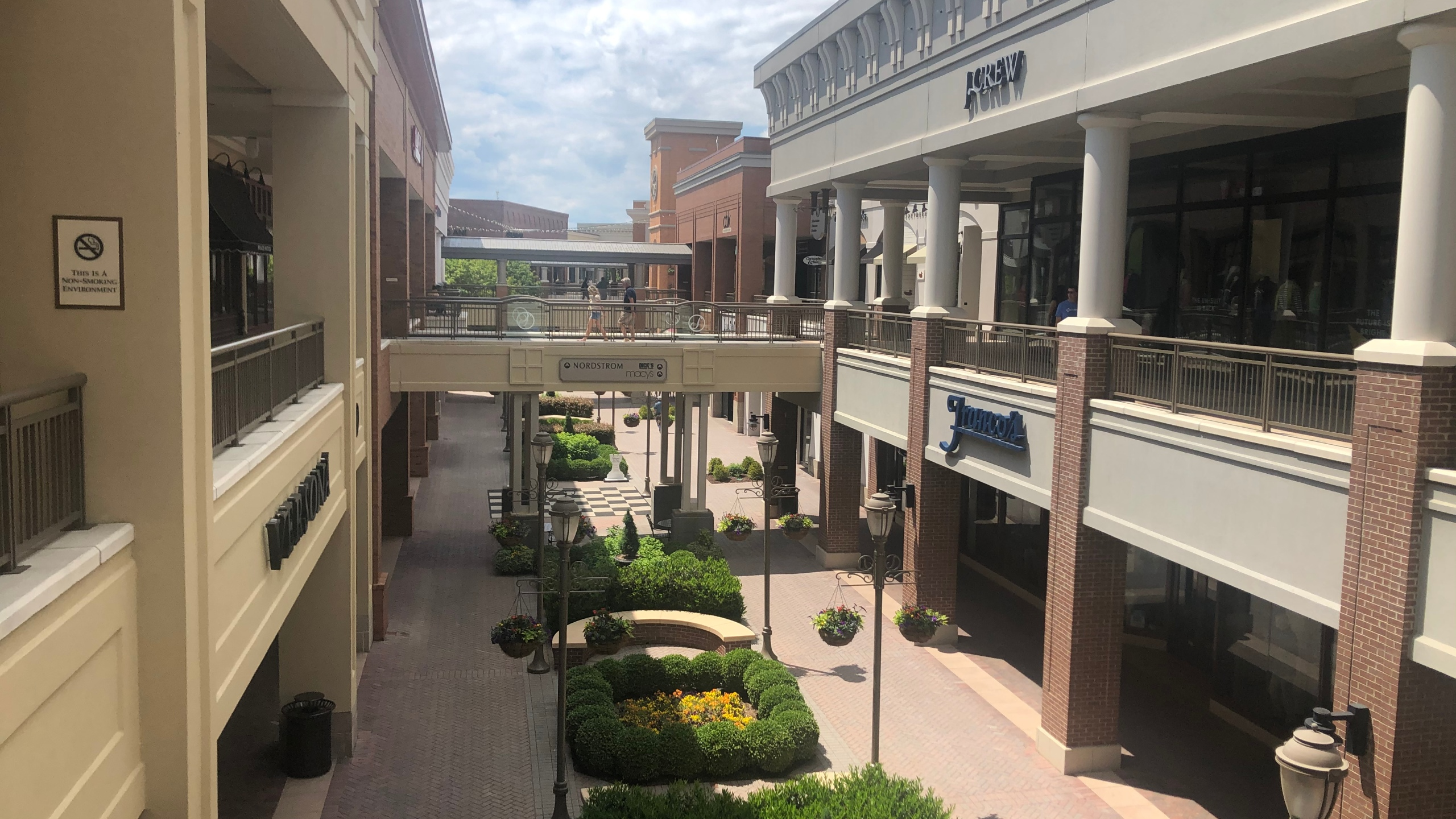 VIRGINIA REOPENS – Short Pump Town Center in Henrico County