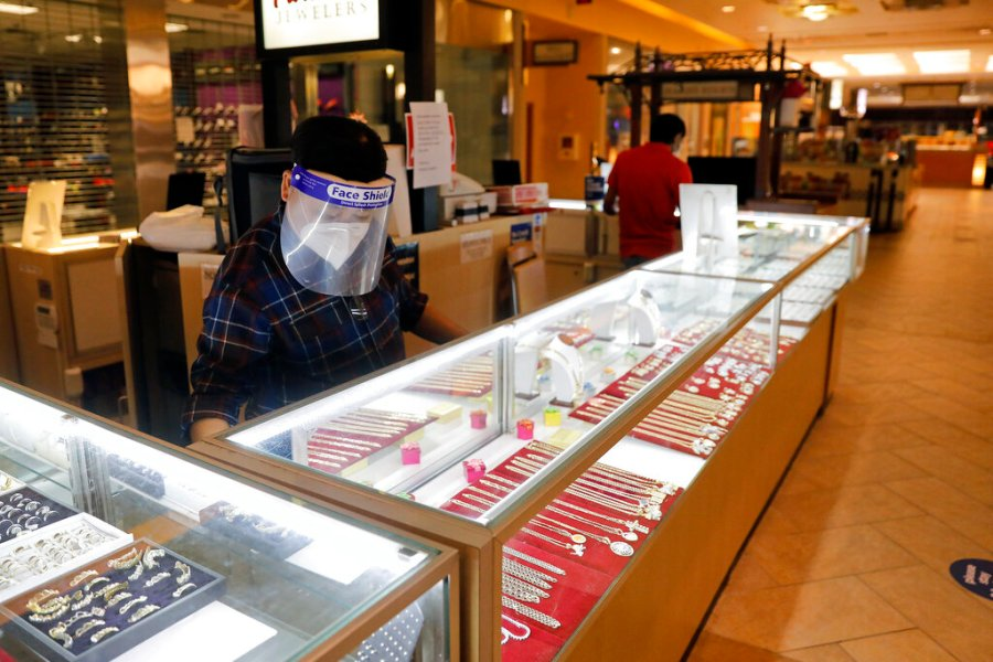 VIRGINIA REOPENS - Paradise Jewelers inside Patrick Henry Mall in Newport News