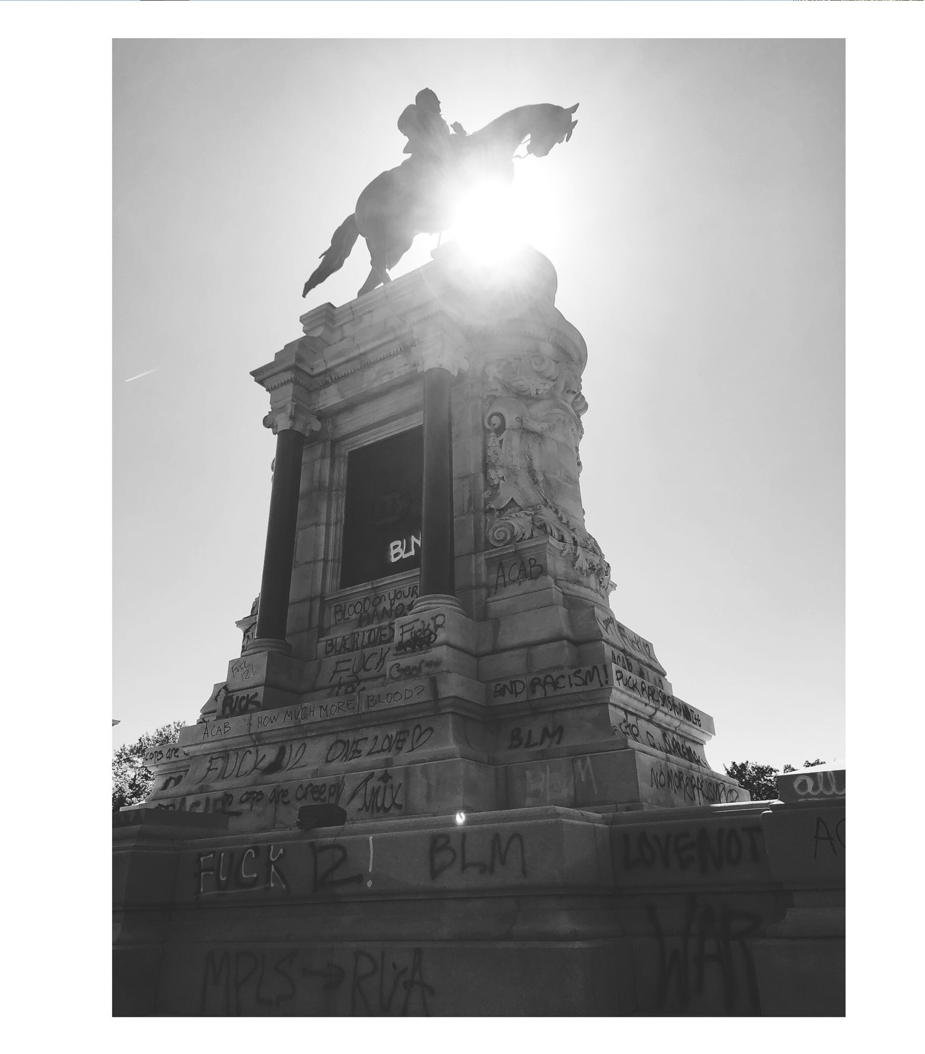 Robert E. Lee Monument vandalized