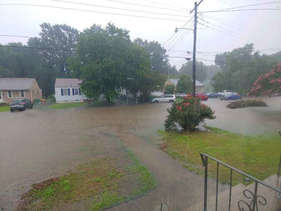 Residents experience 'knee-deep' water in Petersburg from flash flooding |  8News
