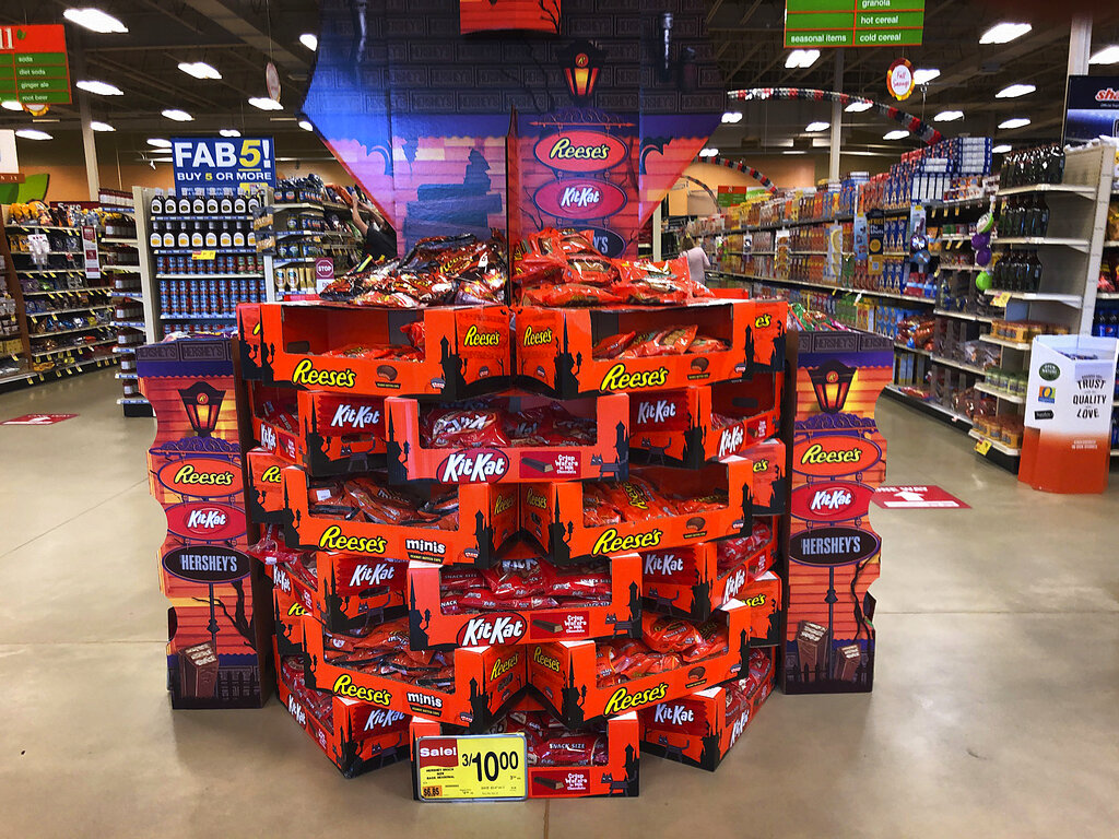 Recent s In Richmond Va Week Of Halloween 2020 Americans load up on Halloween candy while waiting to see if trick