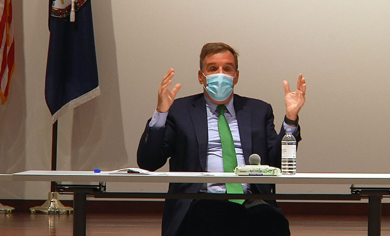 Senator Warner wearing a mask practicing social distancing during the event. (D'Andre Henderson 2020)