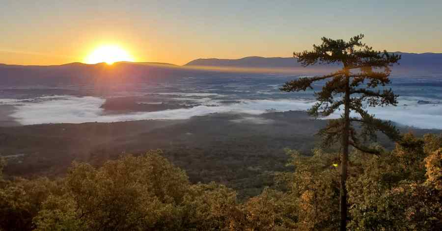 Fall morning in Luray, Virginia. (Photo contributed by Dax Gray)