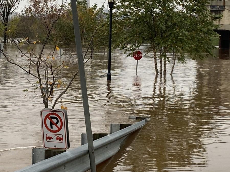 flooding in Rocketts landing