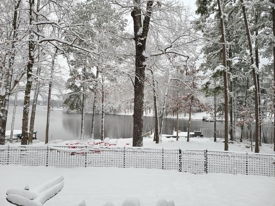 Lake caroline snow