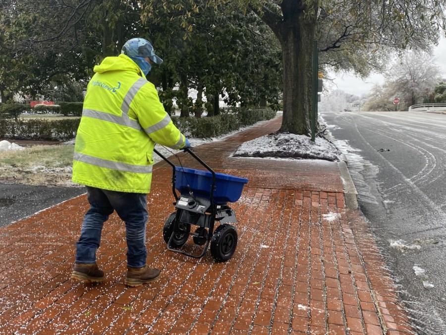 salt being thrown on Richmond roads