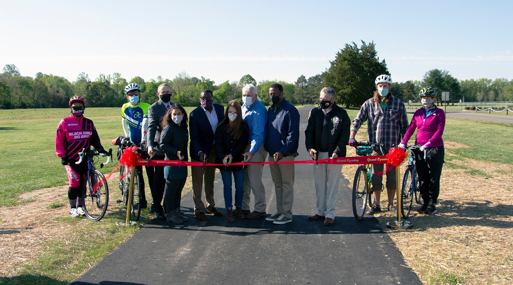 Officials and community members at the ribbon cutting ceremony. (Photos by Henrico County Government)