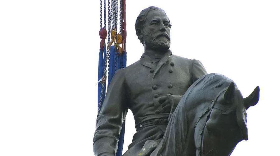 Robert E. Lee statue snip